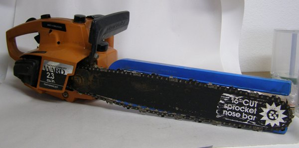 "Montgomery Ward 16"" Light Weight Chain Saw WardTMC24056AU"